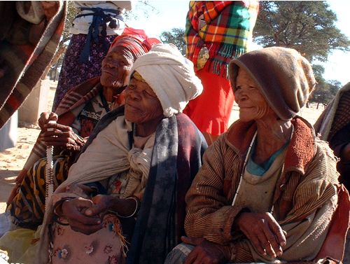 !Xho Bushmen women waiting to sell their crafts